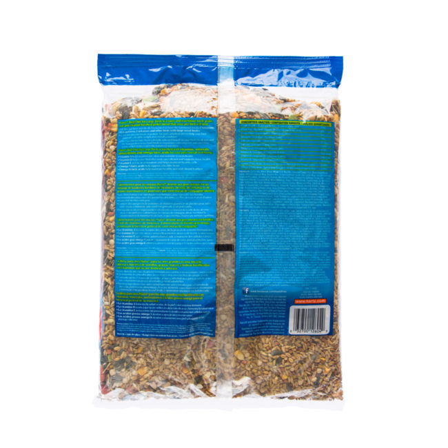 A mixture of seeds, grains and pellets for large birds, Hartz SKU 3270012604