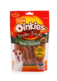 A pack of 18 oinkies tender treats, with real chicken, Hartz SKU 3270015682