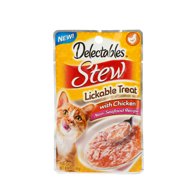 Hartz Delectables Lickable Treat non seafood recipe. Front of package for the stew with chicken lickable wet cat treat. Hartz SKU 3270015900.
